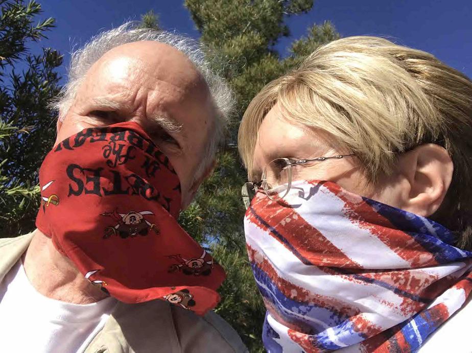 ::Pictures:2020 scarf selfies ID:IMG_7604 JIMC Pirates GAL stripes c.JPG