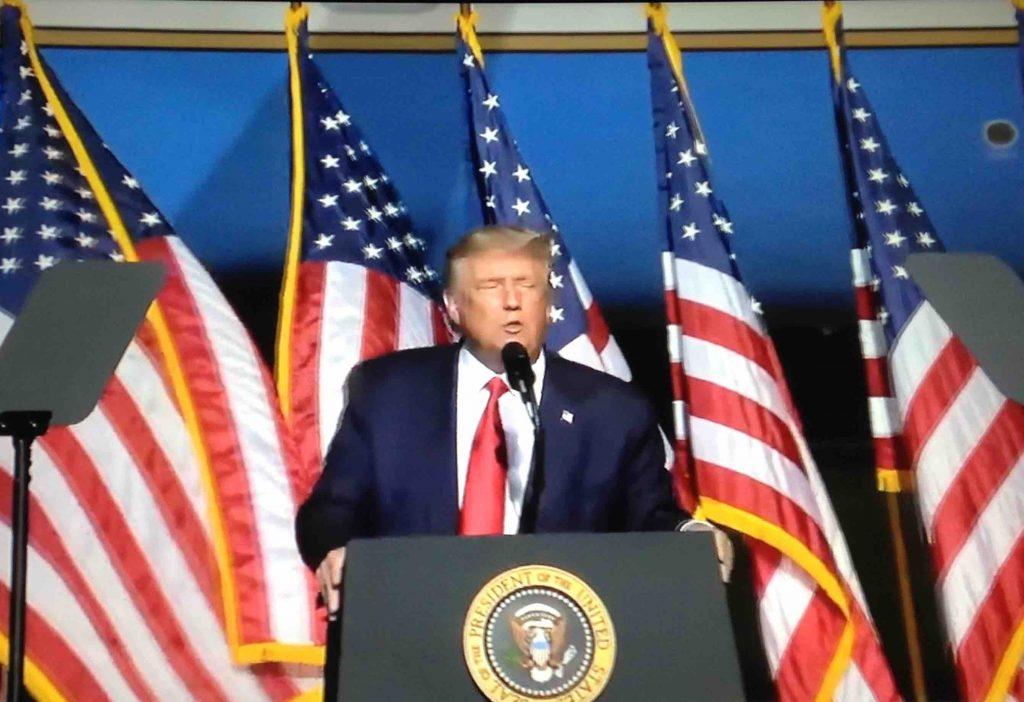 :IMG_2536 Trump flags AF 1 seal.JPG